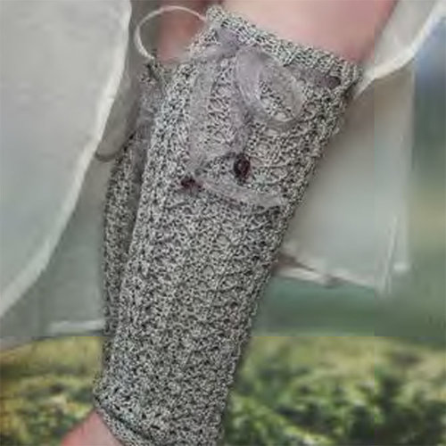 Lisa Hoffman Knits River Girl Stockings Kit - Silver Mist (Model) (01)