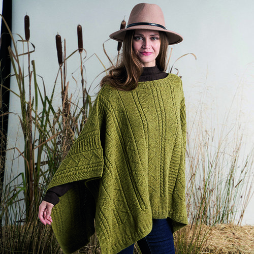 Rowan Herriot Poncho Kit - Model (01)