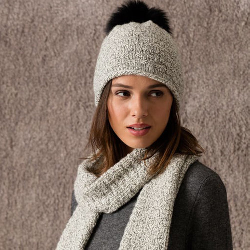 String Aspen Scarf & Hat with Fur Pom-Poms PDF -  ()